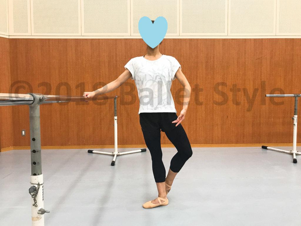 クドピエをしたダンサー