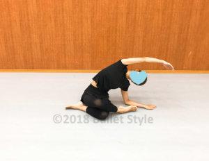 ストレッチするダンサー