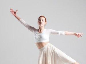 指先が揃っていないバレエダンサー