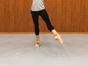 バレエの動きバロネ