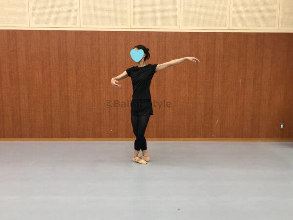 バレエの動きブリゼ