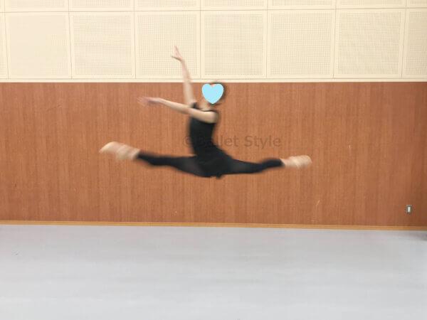 グランパドシャするダンサー